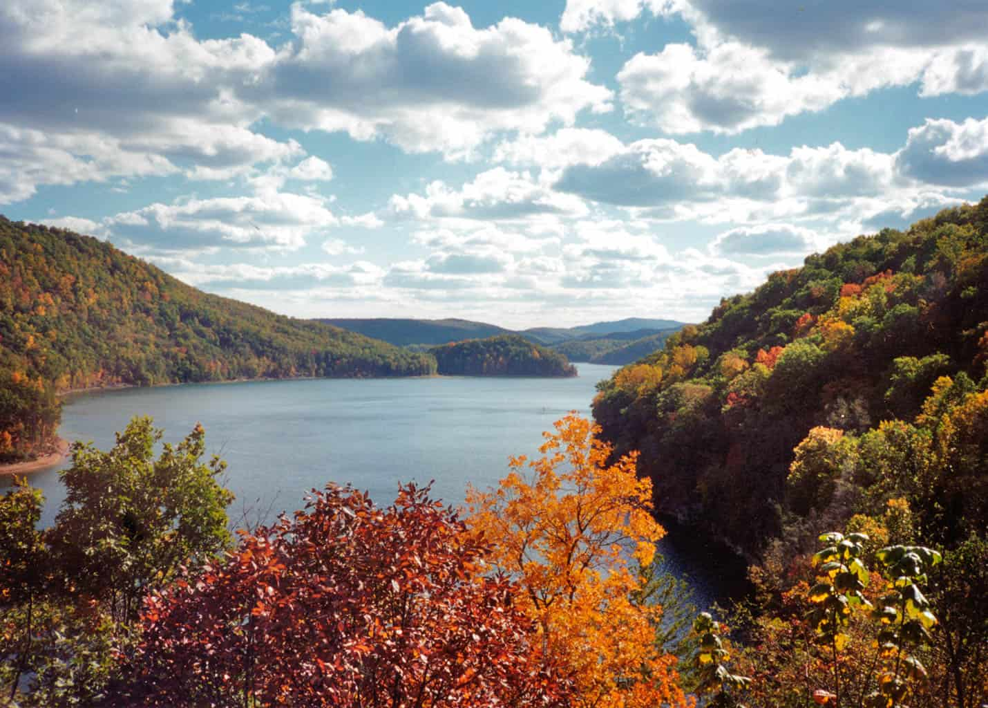 Lake Moomaw – One of Bath's premier outdoor recreation spots, Lake Moomaw offers an endless array of activities in the George Washington National Forest, including boating, fishing, hiking, biking, and camping.